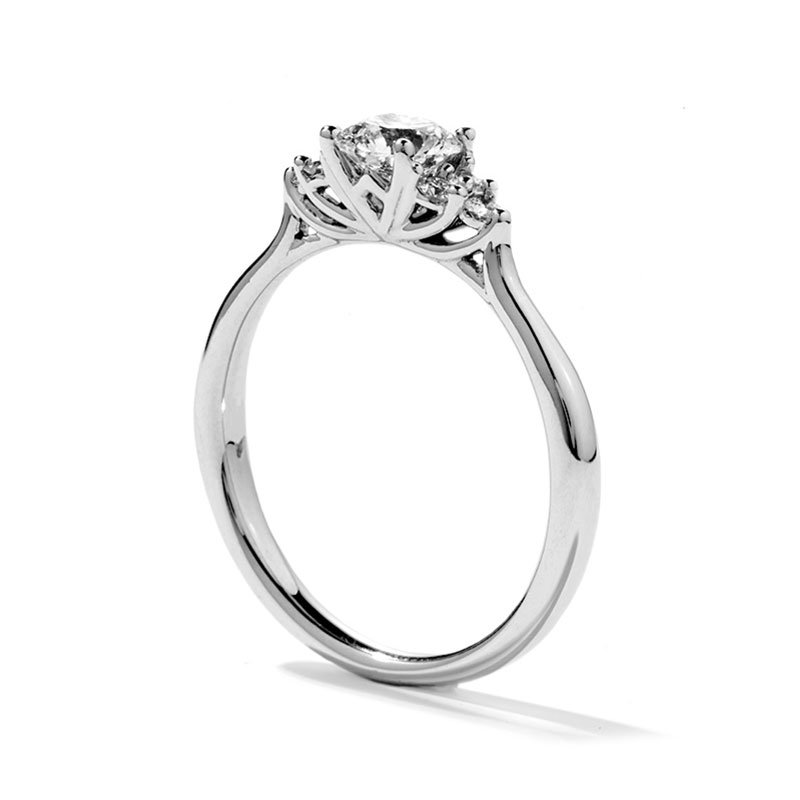 DR05790-Hearts-on-Fire-Felicity-Queen-Anne-Engagement-Ring-1