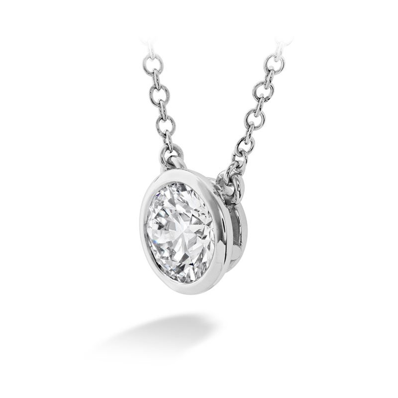 DR06554-Hearts-on-Fire-Classic-Bezel-Solitaire-Diamond-Pendant-1