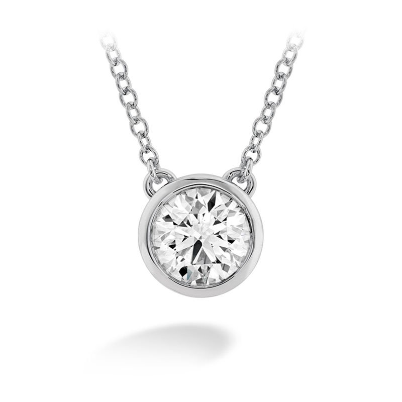 DR06554-Hearts-on-Fire-Classic-Bezel-Solitaire-Diamond-Pendant-2