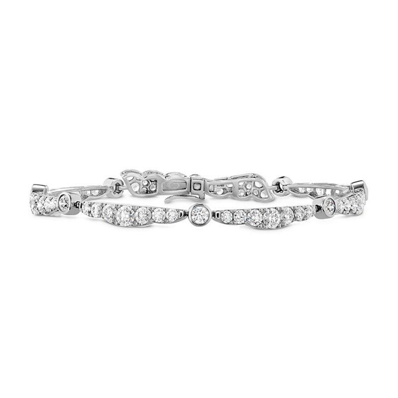 DR06663-Hearts-on-Fire-Lorelei-Ribbon-Diamond-Bracelet-1