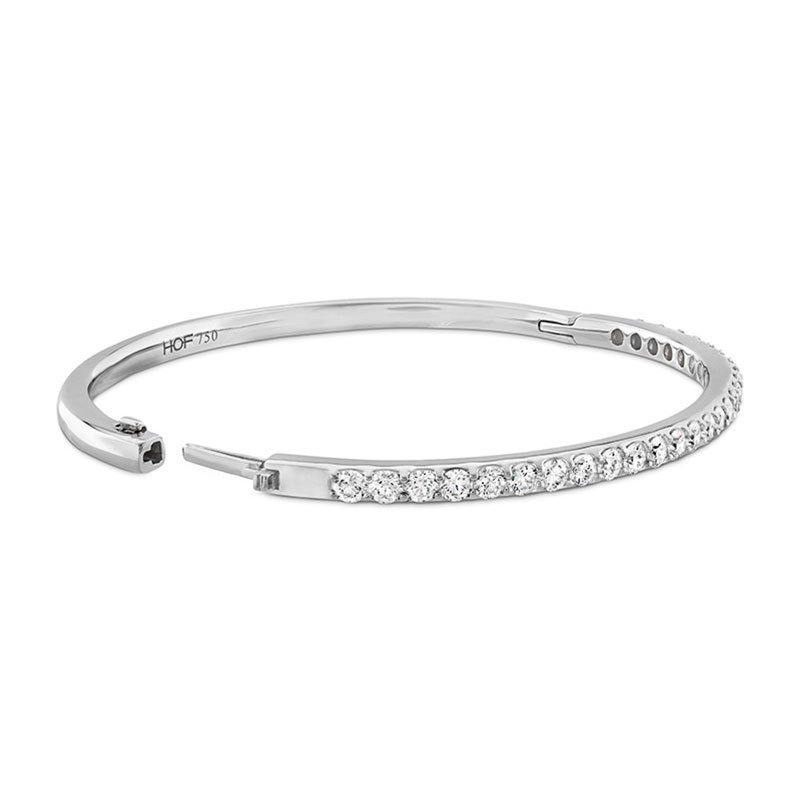 DR07142-Hearts-on-Fire-Classic-Prong-Set-Diamond-Bangle-2