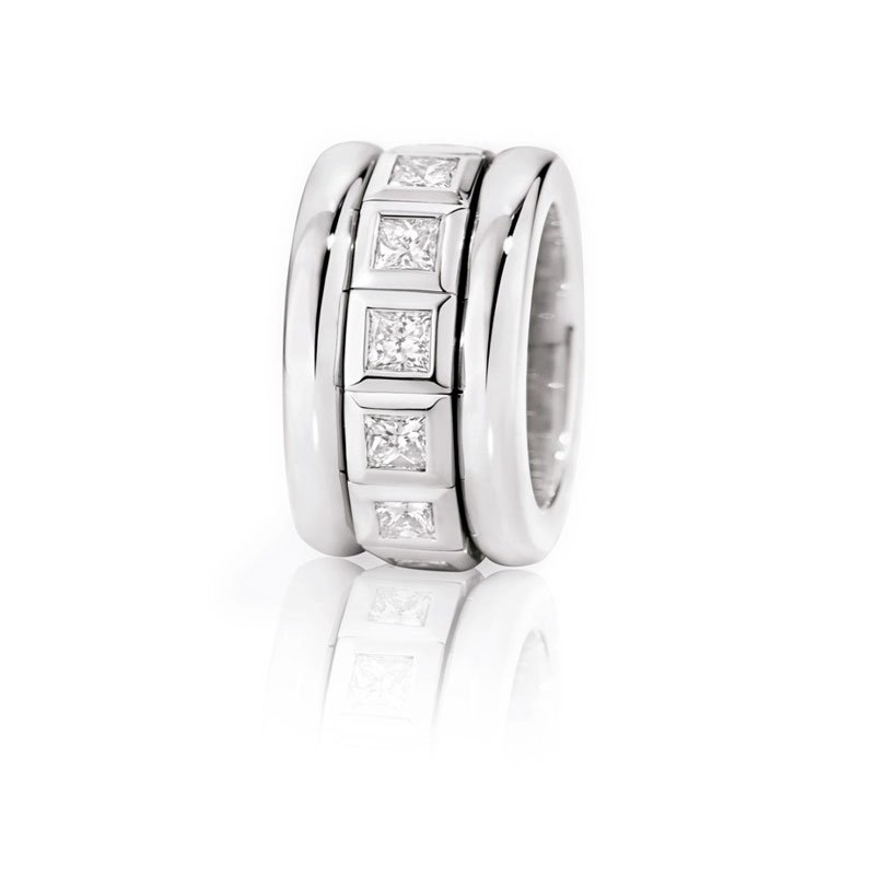 TAM01202-Tamara Comolli Curriculum Vitae White Gold and Diamond Ring