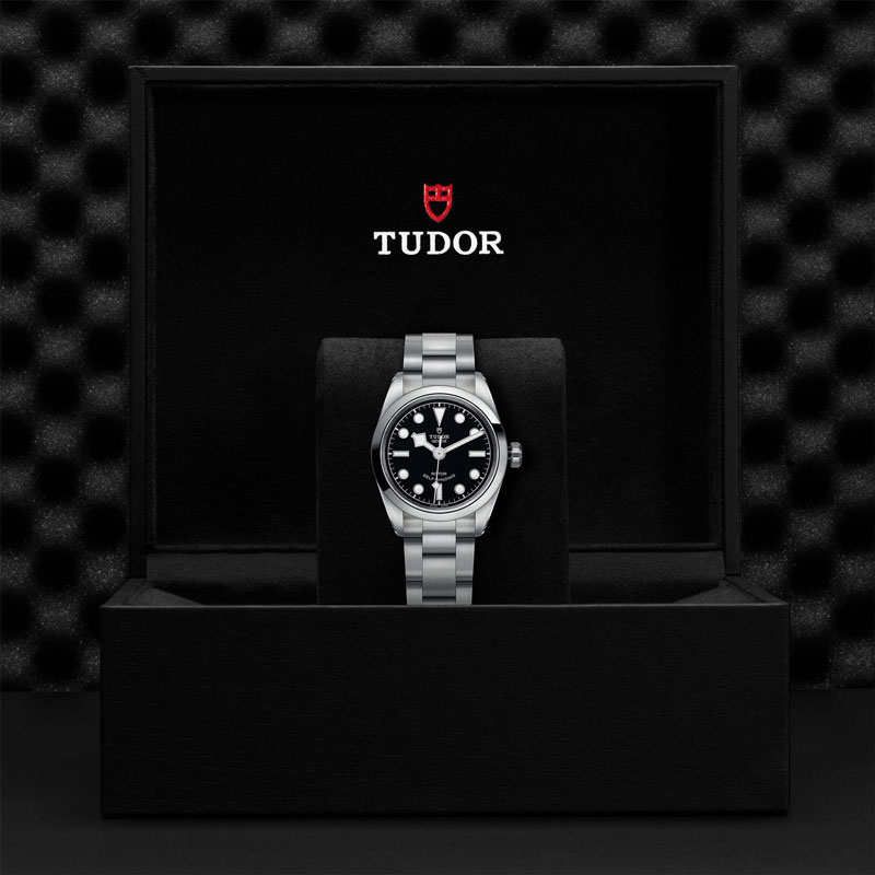 TUDOR_BLACK_BAY_32-79580_95780_BLK-1