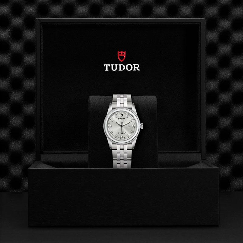 TUDOR_GLAMOUR_DATE-53000_68030_DIA-1
